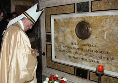 El Papa Francisco encuentra a sus hermanos jesuitas
