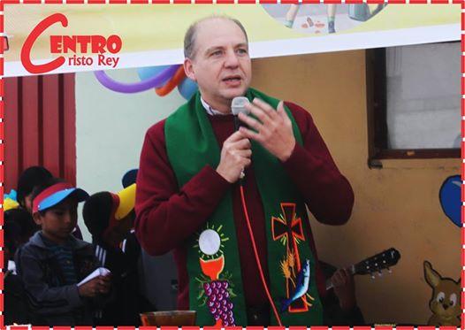 Reconocimiento al P. Emilio Martínez, SJ