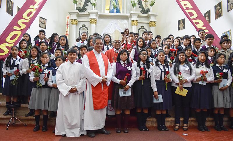 Ceremonia de Confirmación en las Parroquias de Andahuaylillas, Huaro y Urcos.