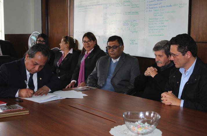 Se firma convenio entre Fe y Alegría y la Gerencia Regional de Educación de Arequipa