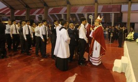 Confirmación en el Colegio San Ignacio de Loyola
