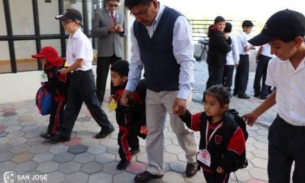 Colegio San José de Arequipa da la bienvenida a la primera promoción de niñas