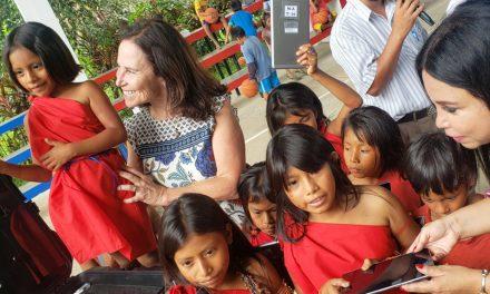 Fe y Alegría y Telefónica promueven educación digital en la Selva