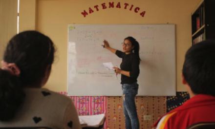 Estudiantes de la Ruiz brindan taller educativo de reforzamiento a escolares de Pueblo Libre