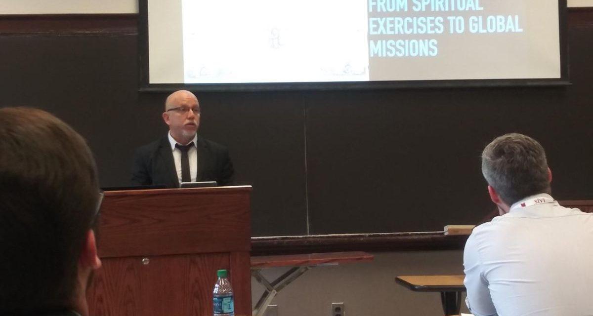 P. Juan Dejo SJ en Simposio del Boston College sobre memoria y archivo jesuita