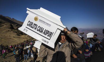 Centro Loyola Ayacucho: entregan restos de víctimas de la violencia en Oronccoy