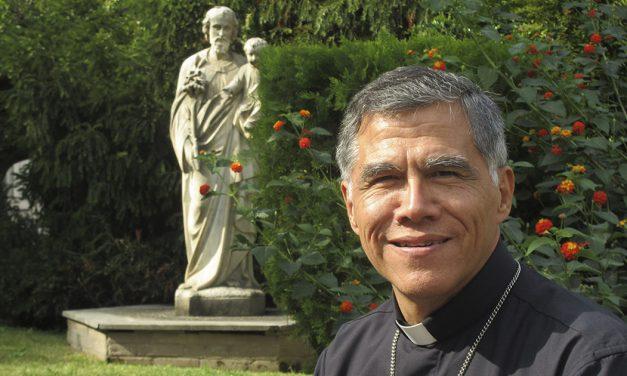 Apertura y libertad de expresión: el testimonio de Mons. Alfredo Vizcarra SJ después de una semana de Sínodo