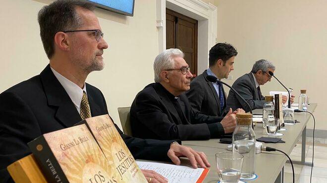 Nuevo libro: «Los Jesuitas: Del Vaticano II al Papa Francisco»