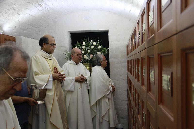 Bendición de la cripta de los jesuitas en la Iglesia San Pedro