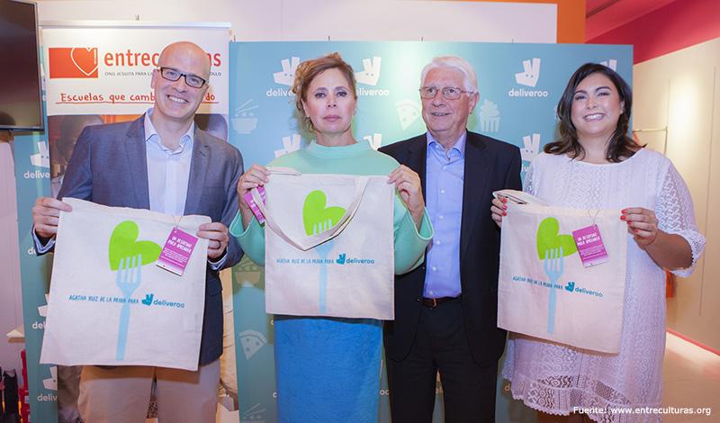 Agatha Ruiz de la Prada y Deliveroo colaboran con ENTRECULTURAS
