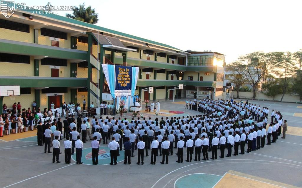 Colegio San Ignacio de Loyola: Homenaje a la Virgen
