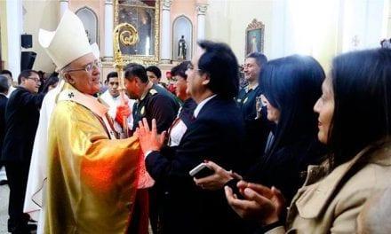 Multitudinario recibimiento a Mons. Pedro Barreto en Huancayo