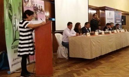 Centro Loyola compromete a candidatos municipales con la juventud humanguina