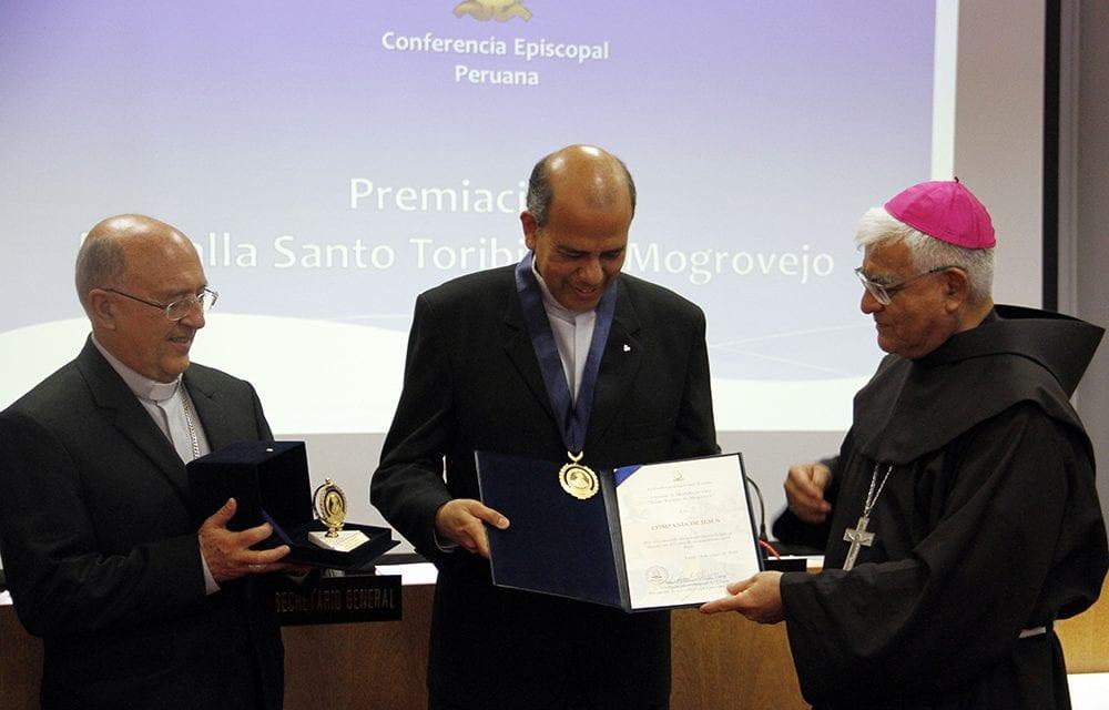 Obispos del Perú reconocen a la Compañía de Jesús por sus 450 años