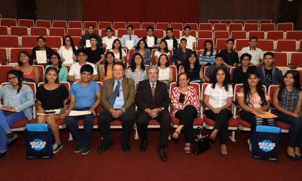 18 exalumnos de Fe y Alegría ganan Becas PUCP 2019