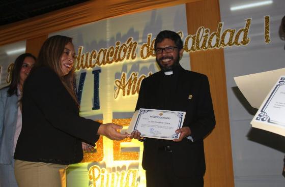 UGEL de Piura reconoce al Colegio San Ignacio por excelencia académica