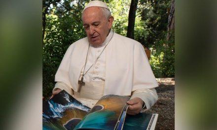 """Nuevo libro del Papa Francisco: """"Nuestra Madre Tierra"""""""