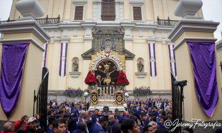 Señor de los Milagros visitó Iglesia de San Pedro