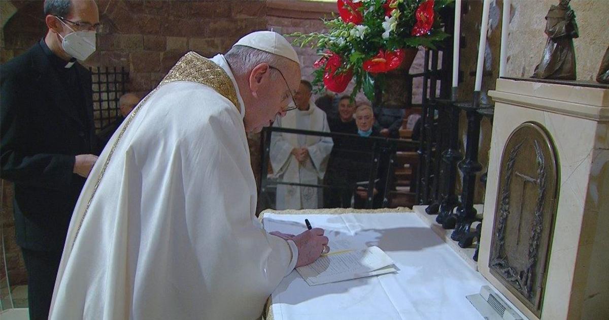 """Llegó """"Fratelli Tutti"""", la nueva encíclica social del Papa Francisco"""