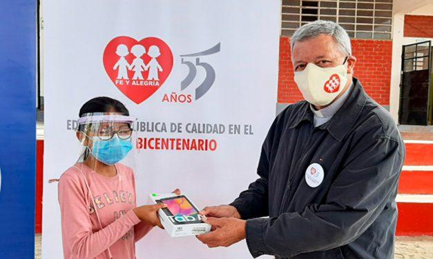 Con Fe y Alegría llevemos tablets a miles de niños y niñas del Perú