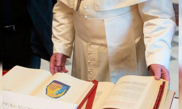 Papa Francisco publica 'Motu Proprio' con nuevas normas sobre la misa antigua