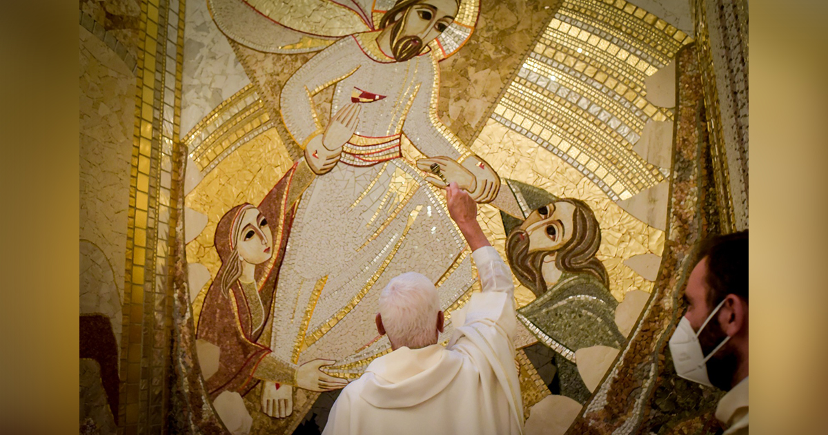 Inauguran impresionantes mosaicos en la Cueva de San Ignacio (Manresa)